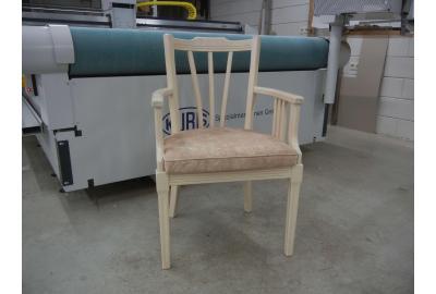 Eetkamerstoelen bekleden met een vintage meubelstof deneris