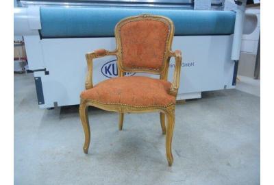Klassieke fauteuil stoffeeren met een Vintage velours stof