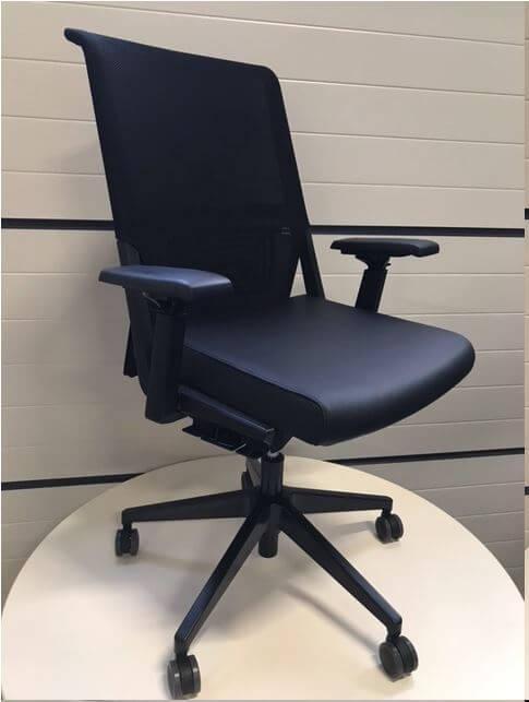 Refurbished bureaustoel comforto 5965 met meubelleer zwart